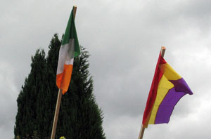 Flags of the Irish Republic and Spanish, St. Mary's Graveyard, Inistioge (28/06/2008)